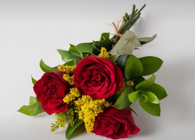 Buquê Com 3 Rosas Vermelhas